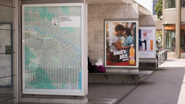 bannery na nádraží