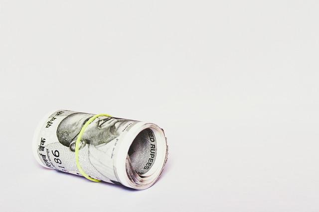rolička asijských bankovek